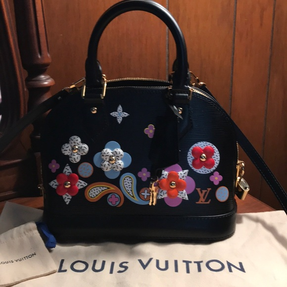 Louis Vuitton Handbags - 💯Authentic Louis Vuitton 2017 EPI ALMA BB FLOWER 20d951452c686
